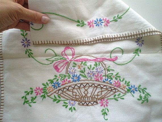 Beautiful vintage embroidered dresser linen scarf