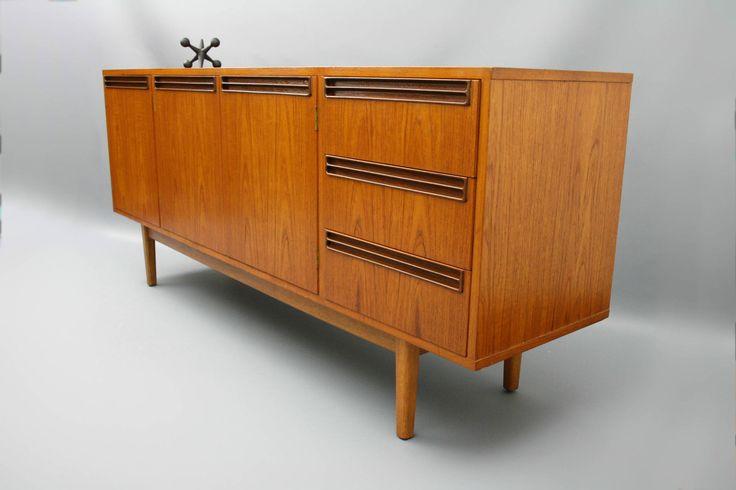 stunning mid century long sideboard buffet teak retro vintage parker. Black Bedroom Furniture Sets. Home Design Ideas