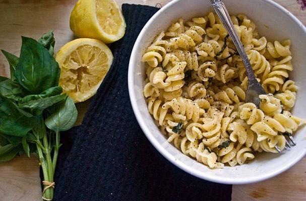 Spaghetti With Lemon And Olive Oil Recipe — Dishmaps
