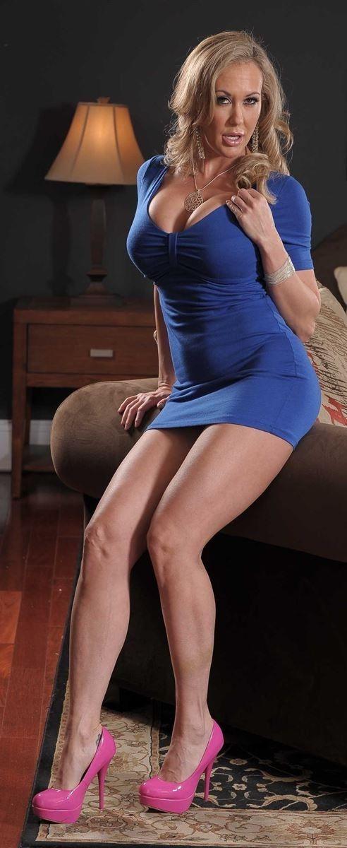 Busty blonde MILF Brandi Edwards jaw dropping nudity on high heels № 920001 загрузить