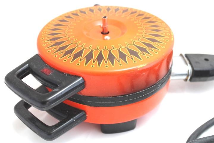 70er oblaten waffeleisen orange for Mobel aus den 70er jahren