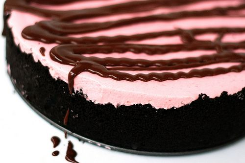 Frozen Raspberry Mousse Pie from Sunny Side Up...I love raspberry!!!