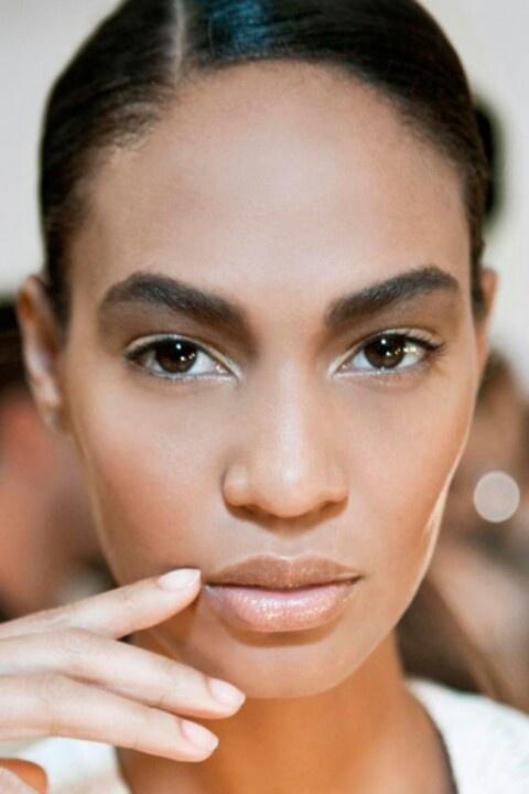 Joan Smalls simple makeup MakeUp The Face/Black Beauty - Easy Black Makeup