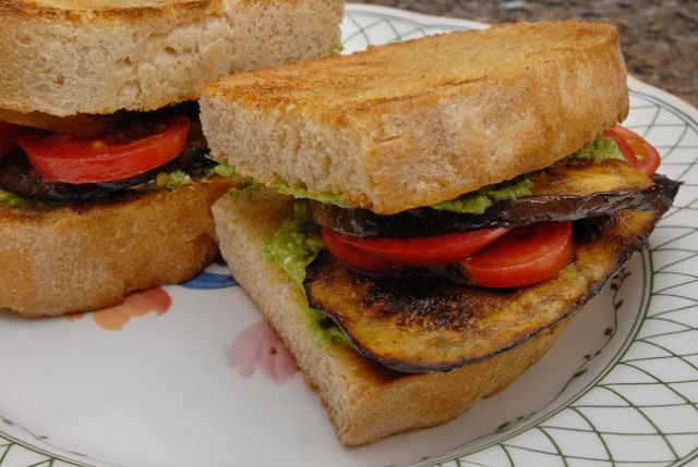 Spicy Grilled Eggplant Sandwich | Burgers/Sandwiches | Pinterest