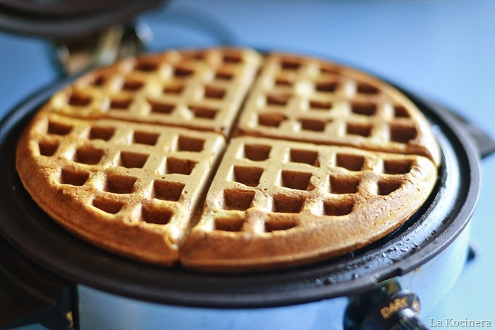 gingerbread waffles | Food - Bread, Muffins, Pancakes | Pinterest