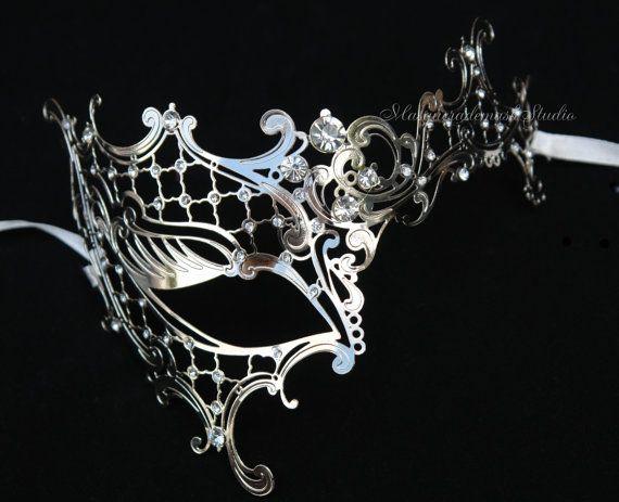 mask- Luxury Venet...