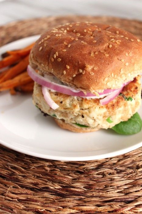 crab cake burgers | Cooking/Kitchenware | Pinterest