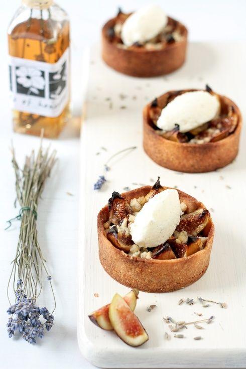 ginger fig streusel tarts hOney lavender ice cream