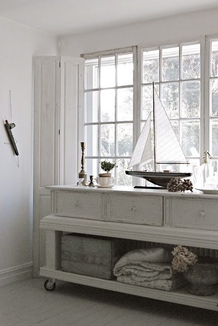 sideboard - could easily be built by a handy diy-er.