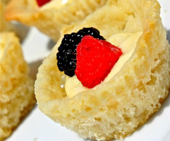 Sugar Cookie Fruit Cups Recipe Video by AmateurKitchen | ifood.tv