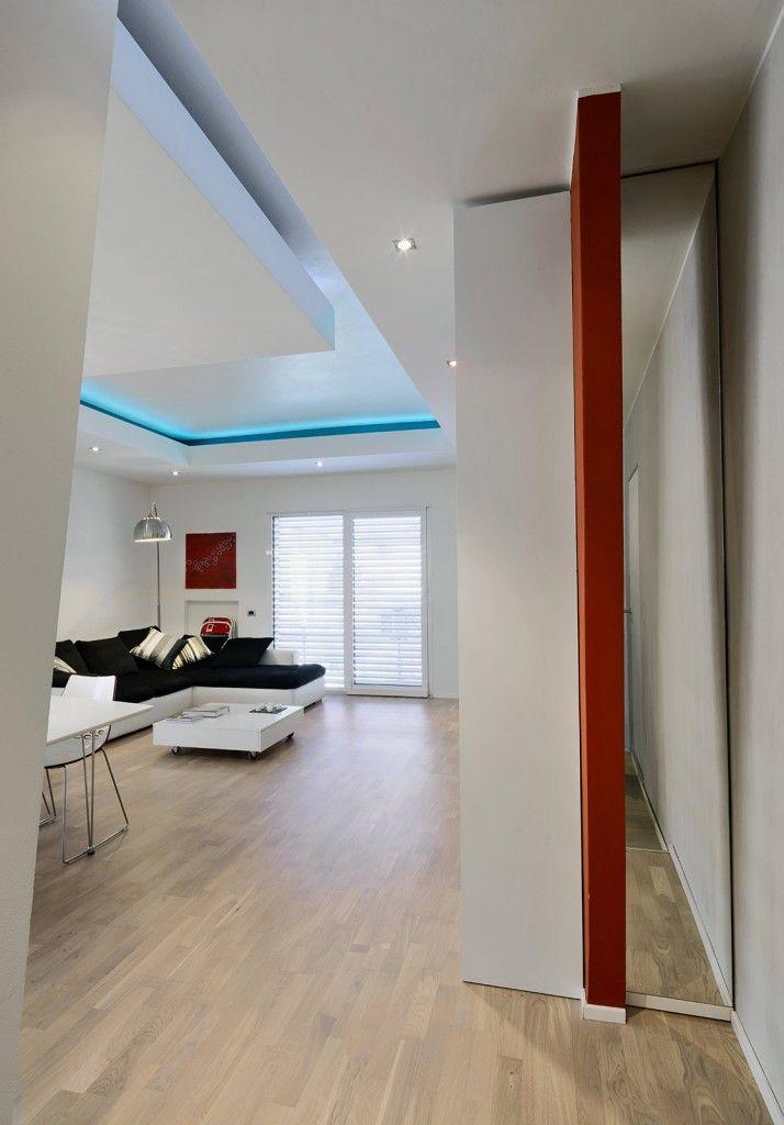 parete quinta in casa : Un riflesso strategico: in soggiorno la quinta in cartongesso ...