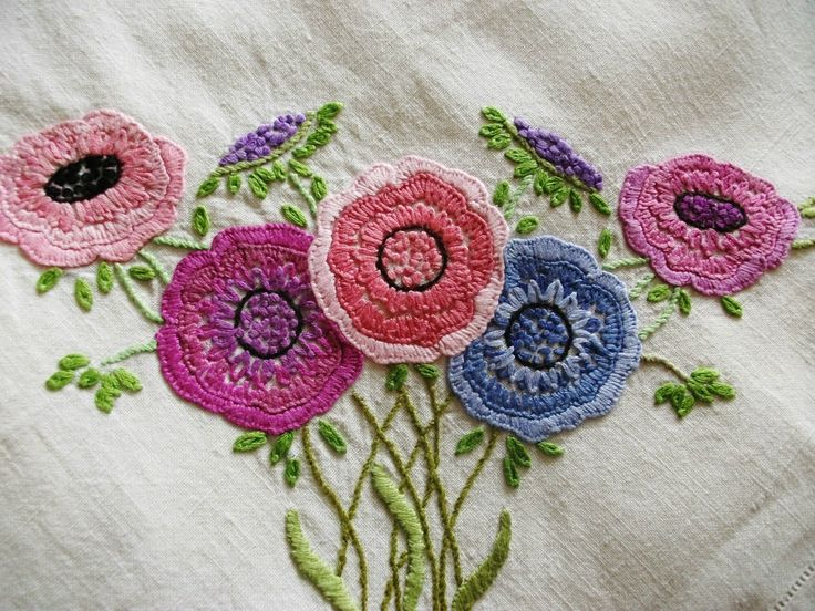 embroidery looks like crochet flowers