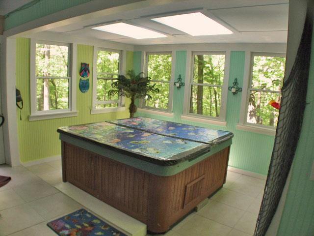 Indoor jacuzzi room love colors for Indoor jacuzzi design