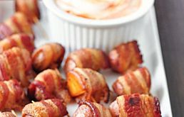 Recipe: Bacon-Wrapped Potato Bites with Spicy Sour Cream Dipping Sauce ...