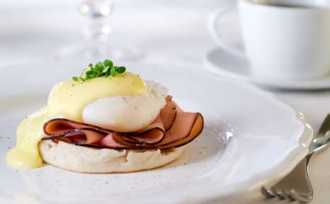 Healthy Eggs Benedict | get in my belly | Pinterest