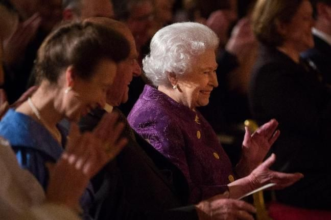 Queen Celebrates Poetry at Palace