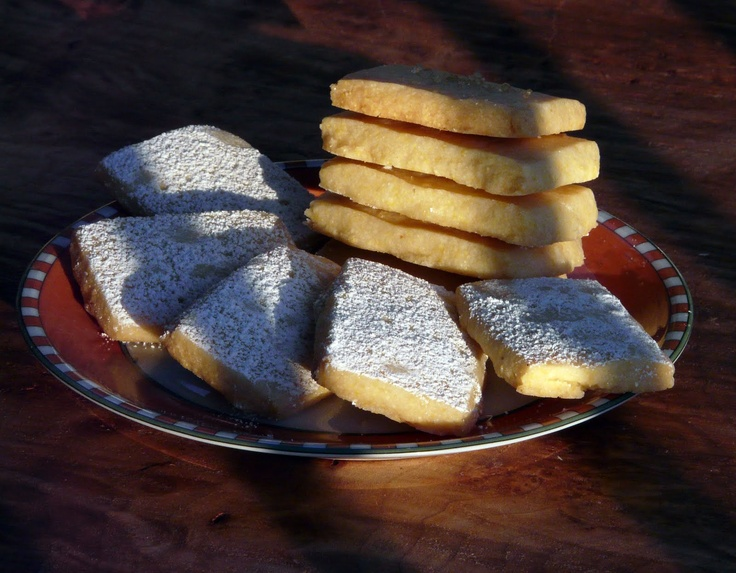Lemon Cornmeal Shortbread Cookies: These are delicious and so easy to ...