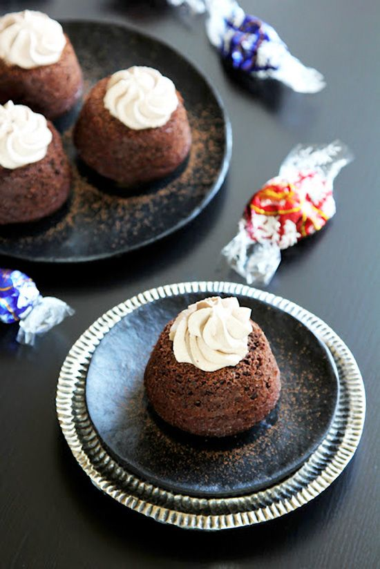 Easy Molten Chocolate Cupcakes | Chocolate Cupcakes | Pinterest