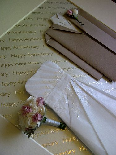 Paper Wedding Anniversary Gift Ideas Uk : Pin by Gabriella Suckling on Anniversary Gift Ideas Pinterest