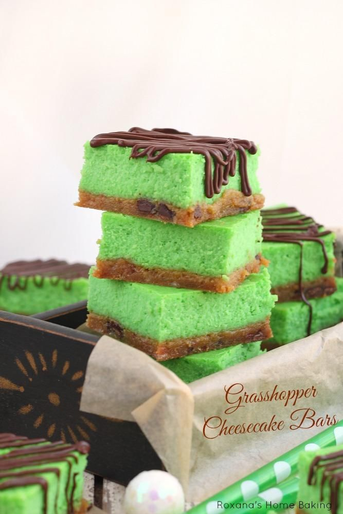 Grasshopper cheesecake bars | Sweet Tooth | Pinterest