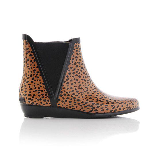 Leopard rain booties. Must have. Now.