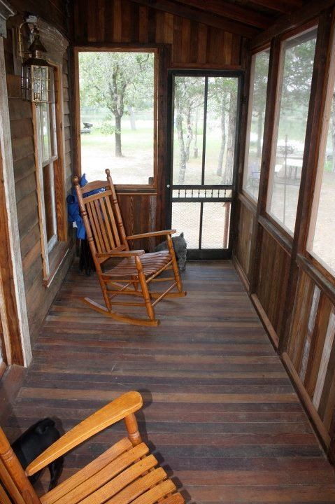 Tiny texas houses screened in porch tiny small homes for Tiny house with porch