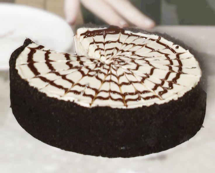 Martha Stewart's No-Bake Spiderweb Cheesecake | Queen Latifah