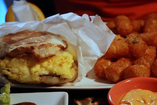 El*Ay*Si - Egg sandwich and tater tots | Foodz | Pinterest