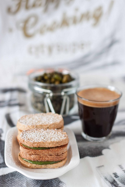 White Chocolate Pistachio Dacquoise | Recipes From atKøkken | Pintere ...