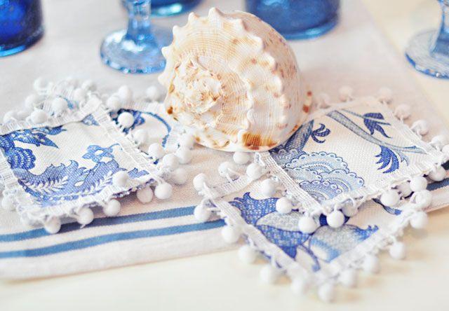 DIY Pom Pom Cocktail Napkins or Coasters | DIY&printables | Pinterest