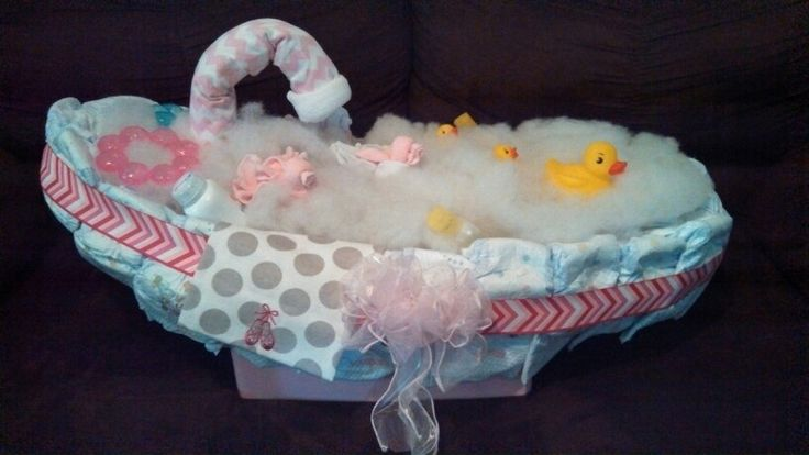 baby bathtub diaper cake for a friend 60 sz 1 huggies 2. Black Bedroom Furniture Sets. Home Design Ideas