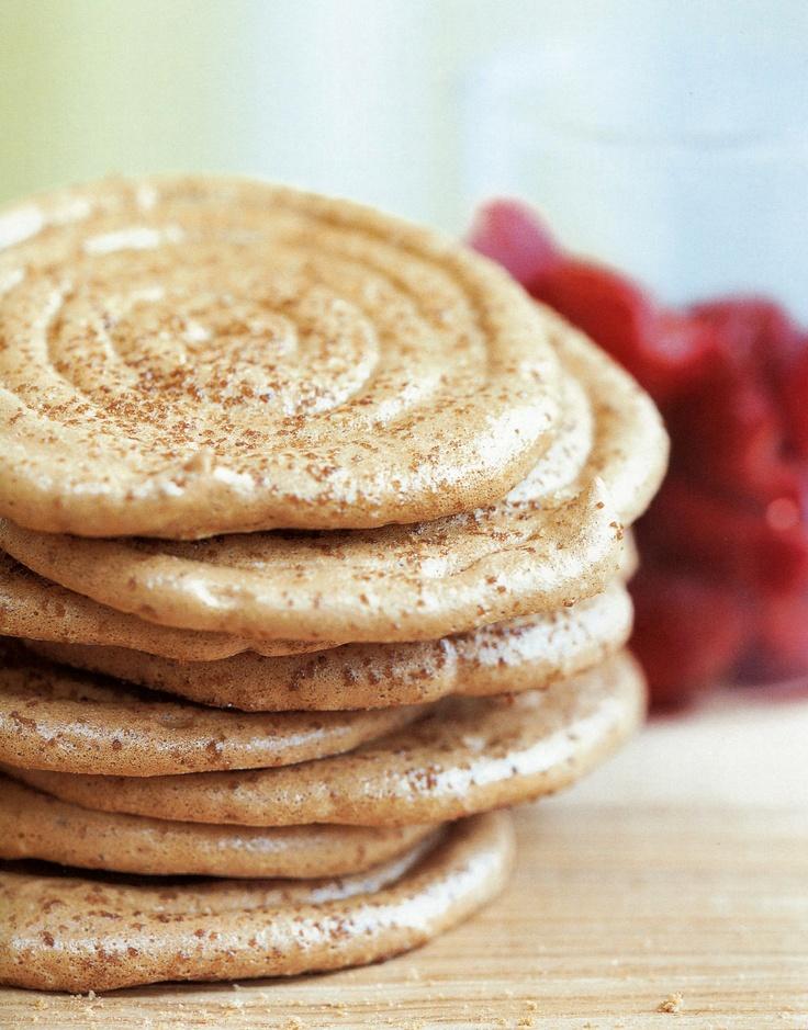Brown Sugar Meringues with strawberries #recipe