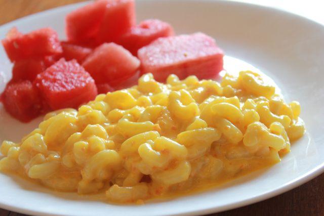 carrot greek yogurt mac and cheese | london brunches | Pinterest