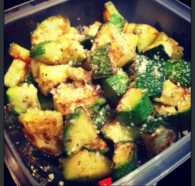 Quick, easy, tasty and healthy zucchini! Sautéed in olive oil ...