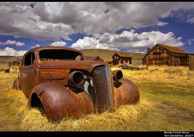 Rusty car, beau... Rusty