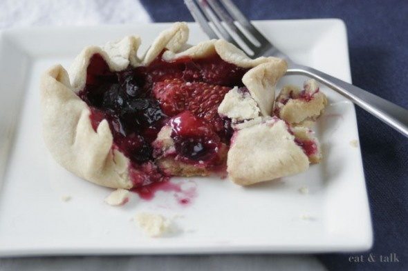 mini mixed berry galettes - vegan | Peaceful Plate: Vegan Food | Pint ...