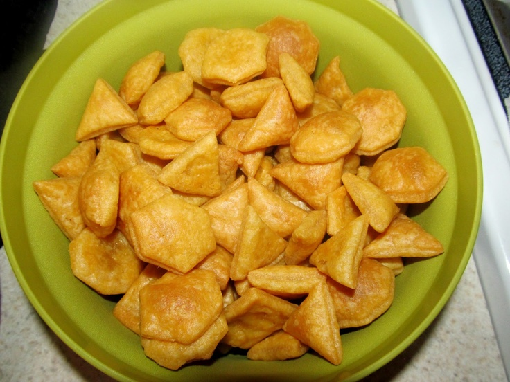 Whole Wheat Cheddar Crackers - Homemade 'Goldfish' crackers with only...