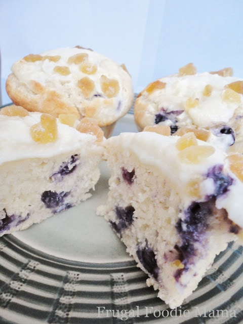 Frugal Foodie Mama: Blueberry Lemon Cream Cheese Muffins