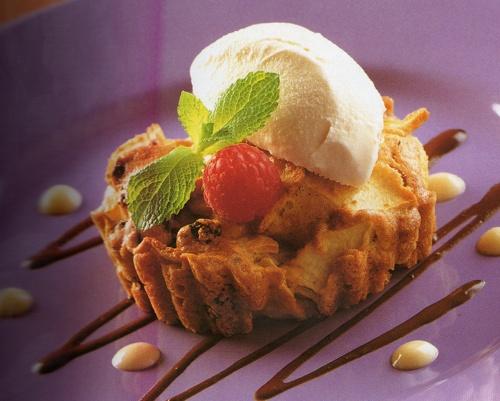Apple Tarts with Ice Cream | Deliciousness | Pinterest