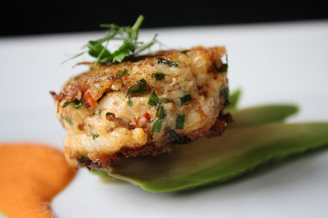 mini crab cakes | Appetizers and Snacks: savory | Pinterest