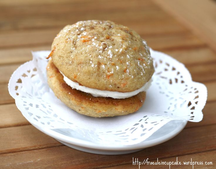 carrot cake whoopie pies | my blog | Pinterest