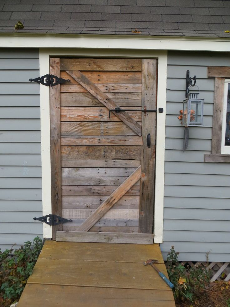 wood pallet shed door | Home sweet Home | Pinterest