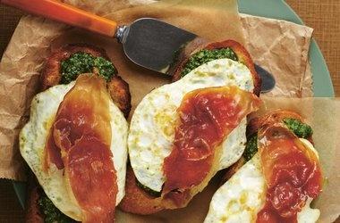 Arugula Pesto Green Eggs and Ham Sandwich