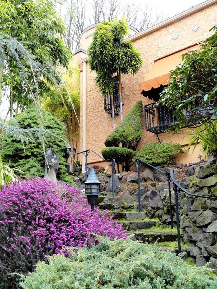 Top 10 mediterranean garden designs gardening pinterest for Mediterranean garden design