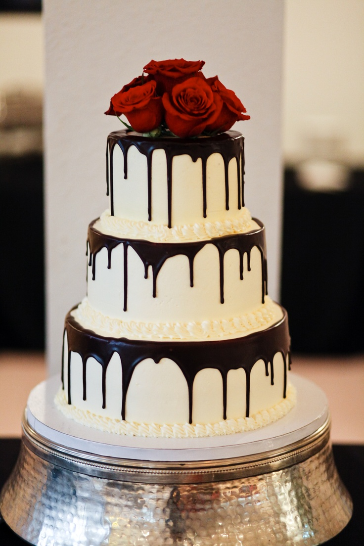 Cake With Chocolate Dripping : Chocolate drip wedding cake Wedding Ideas Pinterest