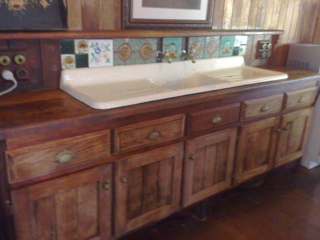 colonial kitchen sink cupboard primitive style