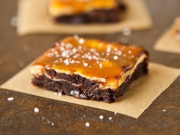 Vanilla Bean Cheesecake Fudge Brownies with Salted Caramel | Recipe