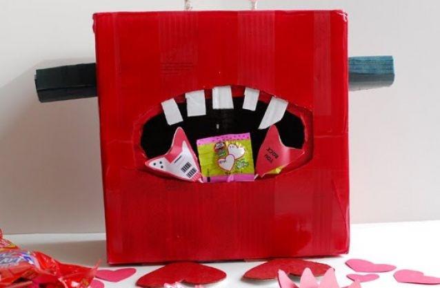 valentines day box robot