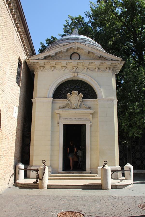 Dante s mausoleum is located quot quot dante s tomb small but ine