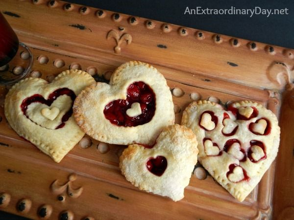 Heart Shaped Hand Pies for Valentine's Day Dessert :: AnExtraordinaryDay.net